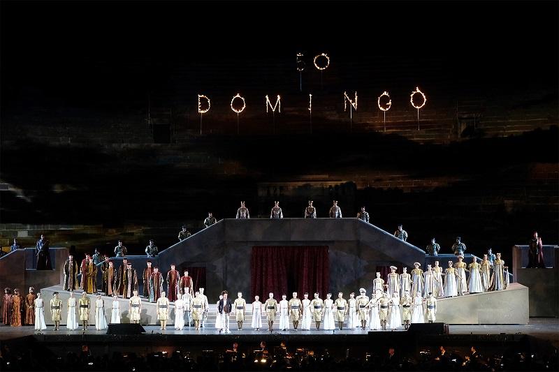 Plácido Domingo 50. évfordulós gálakoncertje a Veronai Arénában 2. rész – VÁRkert Mozi